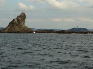 烏帽子岩と江ノ島